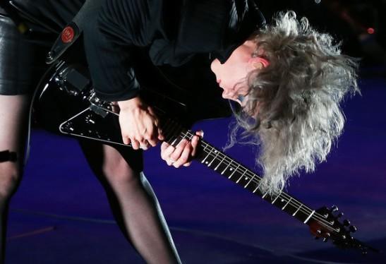 Annie+Clarke+St+Vincent+Performs+Live+Sydney+OOPW9p-xxTIl[1]