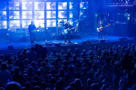 Vivid-Sydney-2014_The-Pixies_Sydney-Opera-House_Daniel-Boud_DNSW_073-1280x853[1]