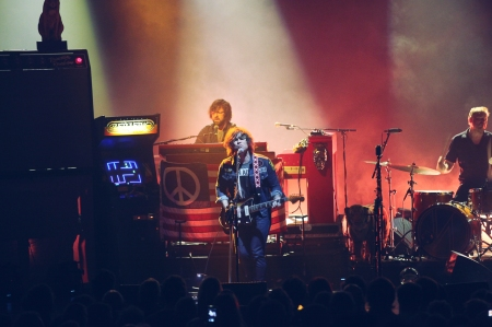 02-Ryan-Adams-Enmore-Theatre--6[1]